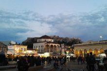 """雅典卫城   始建于公元前580年,古希腊语为""""高处的城市""""。雅典是古希腊一个最强大的城邦,许多著名"""