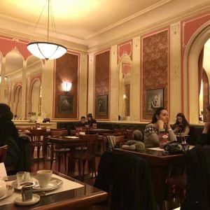 卢浮咖啡馆旅游景点攻略图