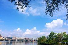 游查尔斯河  观水天美景