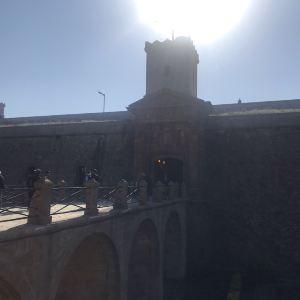 蒙特惠奇城堡旅游景点攻略图