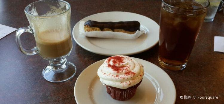 La Baguette Bakery & Cafe3