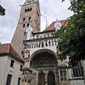 奥格斯堡市政厅广场旅游景点攻略图
