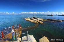 我去珠海的那一年还是在2012年的春节,我记得那个冬天特别冷在广州都要穿厚厚的羽绒服,抵达珠海时开车
