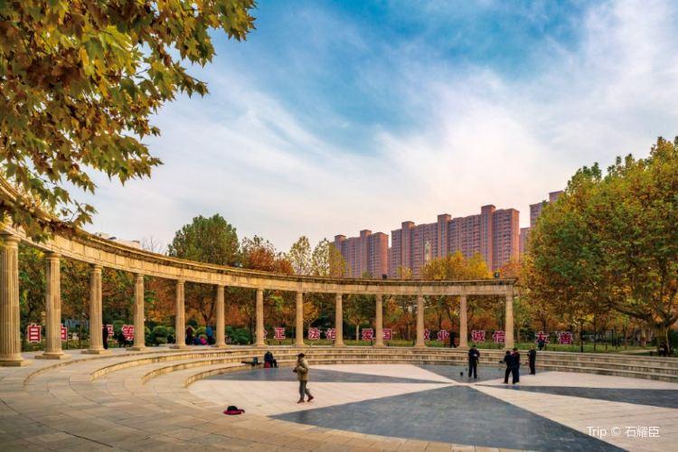 Shimen Park (West Gate)1