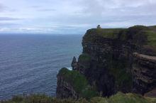 哈利波特系列电影捧红了很多景点,今天的重头戏莫赫悬崖便是其一。这也是欧洲最高的悬崖,在爱尔兰中西部的