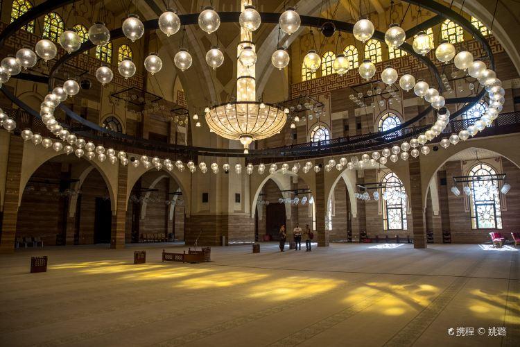 Al Fateh Grand Mosque1