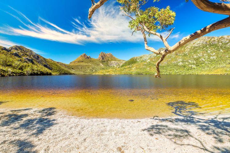 鸽子湖环湖步道