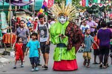 #在当地过节#八月街道节,雅加达夜幕中的异样狂欢