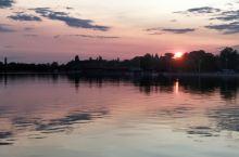 塞尔维亚帕里奇湖看日落