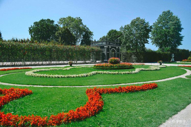 Schonbrunn Palace3