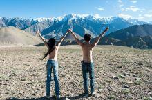 在拉达克的雪山脚下拍一张裸照