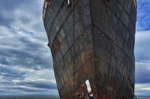 麦哲伦海峡两岸的船