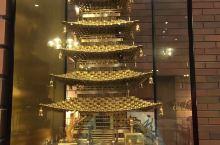温泉酒店内的铜雕