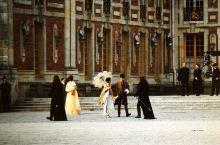 在凡尔赛宫遇剧组拍戏