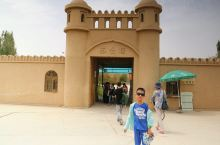 新疆 苏公塔 不凑巧,因为有宗教活动,所以没能进去参观