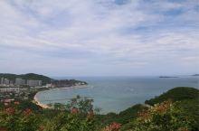三亚 鹿回头公园 门票含景区交通票,儿童票37 。一定要到观海亭拍照,俯视三亚湾,小东海。很壮观