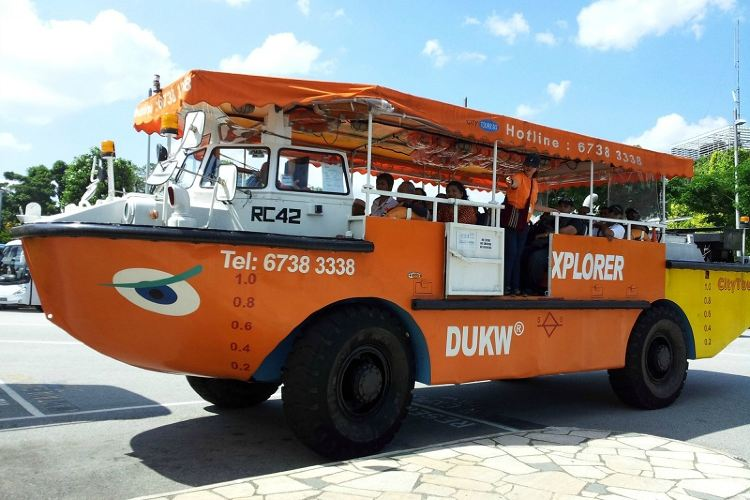 Duck & Hippo Tours1
