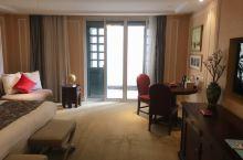 威廉•埃德加,古北水镇的精品酒店 进入酒店,右手有一间房间,是个小型博物馆,介绍了威廉•埃德加先生生