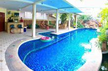 芭堤雅近海5卧超大泳池别墅