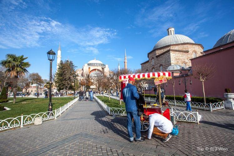 Sultanahmet Square2