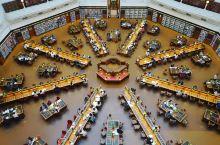 最美的对称感 维多利亚州立图书馆