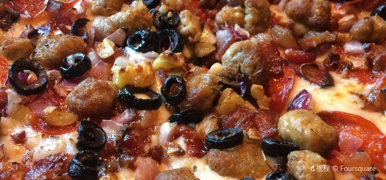 Hideaway Pizza3