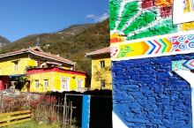 这七彩的藏寨,房子没有重复的外墙