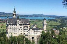 新天鹅堡-梦幻城堡的完美标杆  德国是一个以城堡闻名的国度,这里的公爵和国王们建立了数不清的城堡,现