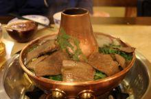 玛利噶藏餐是古城内排名第一的餐厅,顺着导航找到了这家藏餐厅,果然座无虚席,其中不少外国人,感觉更像是