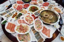 冬令进补正当时,全蛇宴、炖甲鱼、烧大鲵、焖竹鼠,这一桌好酒好菜如何消受