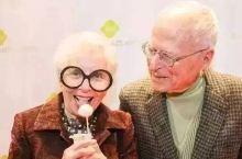 50多岁才开始学烘焙,如今她做的翻糖蛋糕让川普都成为了粉丝