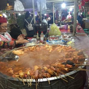 喀什老城夜市美食广场旅游景点攻略图