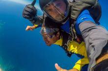 在澳大利亚体验高空跳伞