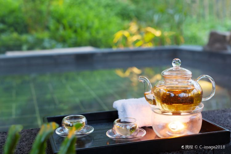 Haitang Xiaoyue Hot Springs1