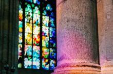 神,带来七彩的光——圣维特大教堂