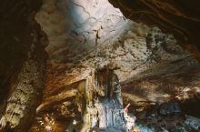除了海景,下龙湾还有神奇美丽的洞穴#向往的地方#