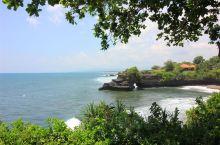近距离观看海神庙时,小心被不要被打湿