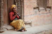 namaste,尼泊尔 尼泊尔被称为是世界上最幸福的国度之一。这里的人民虽然经济上很贫穷落后,但是精