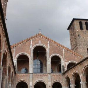 圣安布雷佐教堂旅游景点攻略图