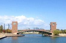 运河上的美丽公园  和老婆在日本富山市的时候,我们被强力推荐到富岩运河环水公园游赏。  这是一个大公