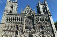 尼达洛斯大教堂:挪威最雄伟的教堂  欧洲之行,总是免不了大教堂啊,古城堡啊。到了挪威,又要打卡必到之