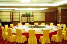 值得一去的酒店——寿光温泉大酒店  酒店环境整洁,房间布局堪称完美,优雅又不失情调,服务周到,让人无