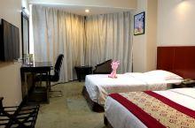 值得一去的酒店——宜昌国际大酒店  再次入住宜昌国际大酒店,酒店环境大气,服务到位,客房内部环境舒适