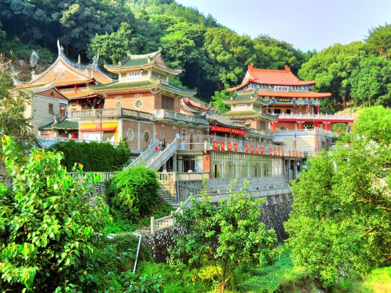 Xuefeng Temple
