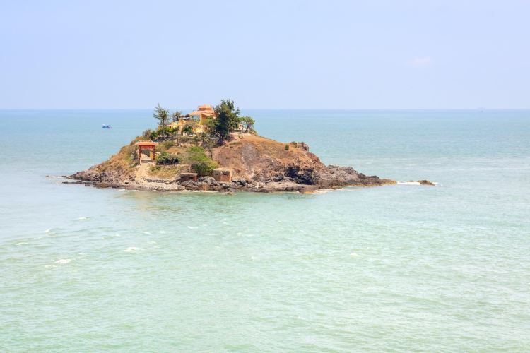 Hon Mieu Island