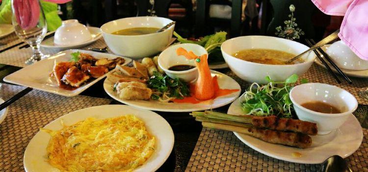 Me Wah Restaurant1