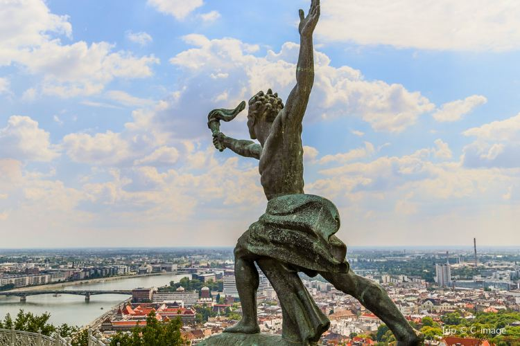 匈牙利自由女神像2