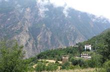 可爱的藏寨