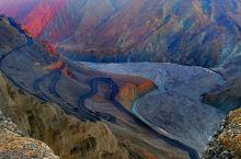 红山大峡谷,三江汇流处