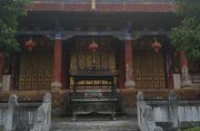 文庙后面的纪念碑很有特色